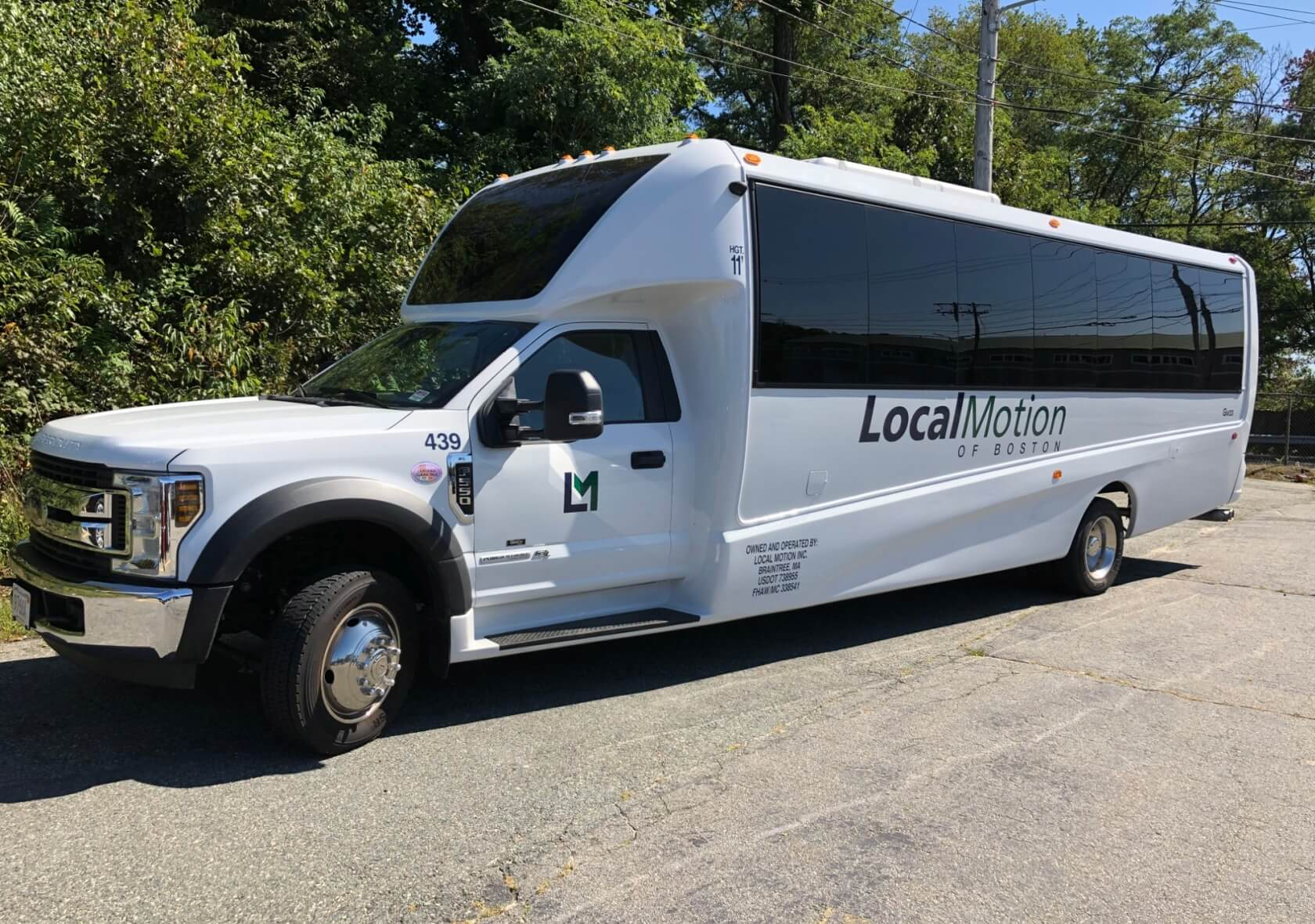 The Complete Guide to Charter Bus Rentals